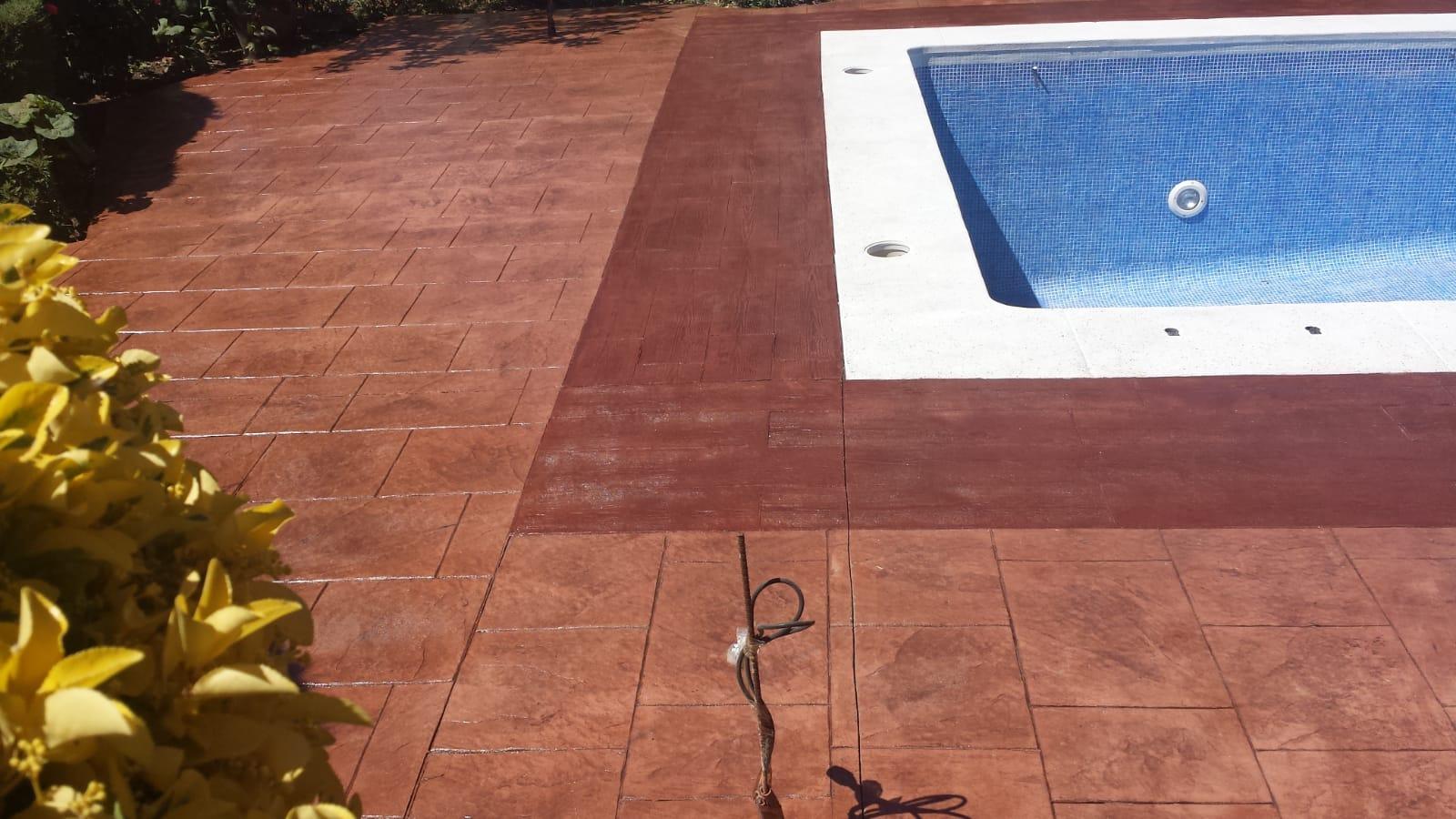 bordillo de piscina exterior