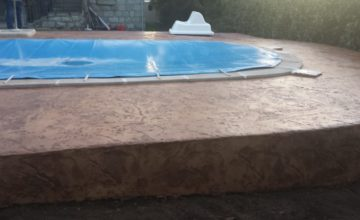 escalon para superficie de piscina